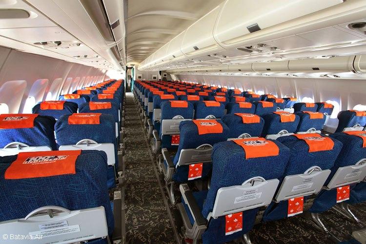 batavia-air-a330-200-cabin-batavia-airlr